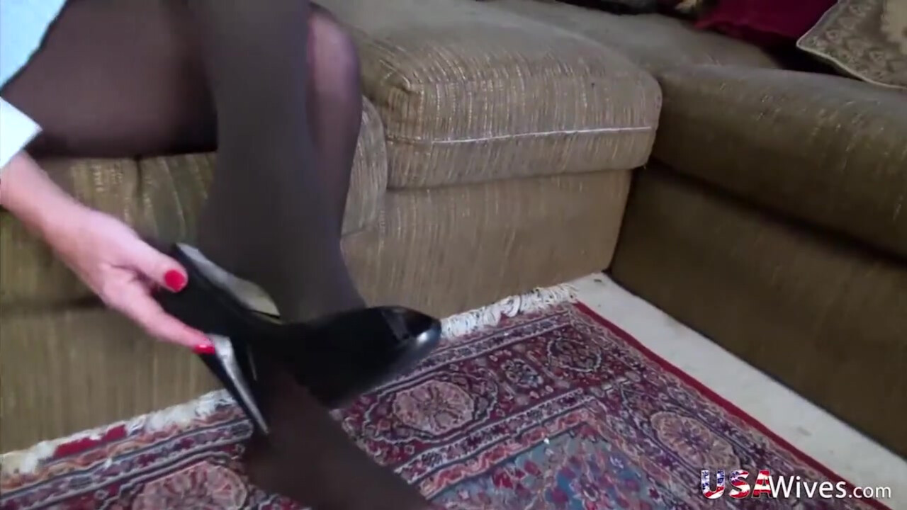 Skinny Mature Hairy Pussy
