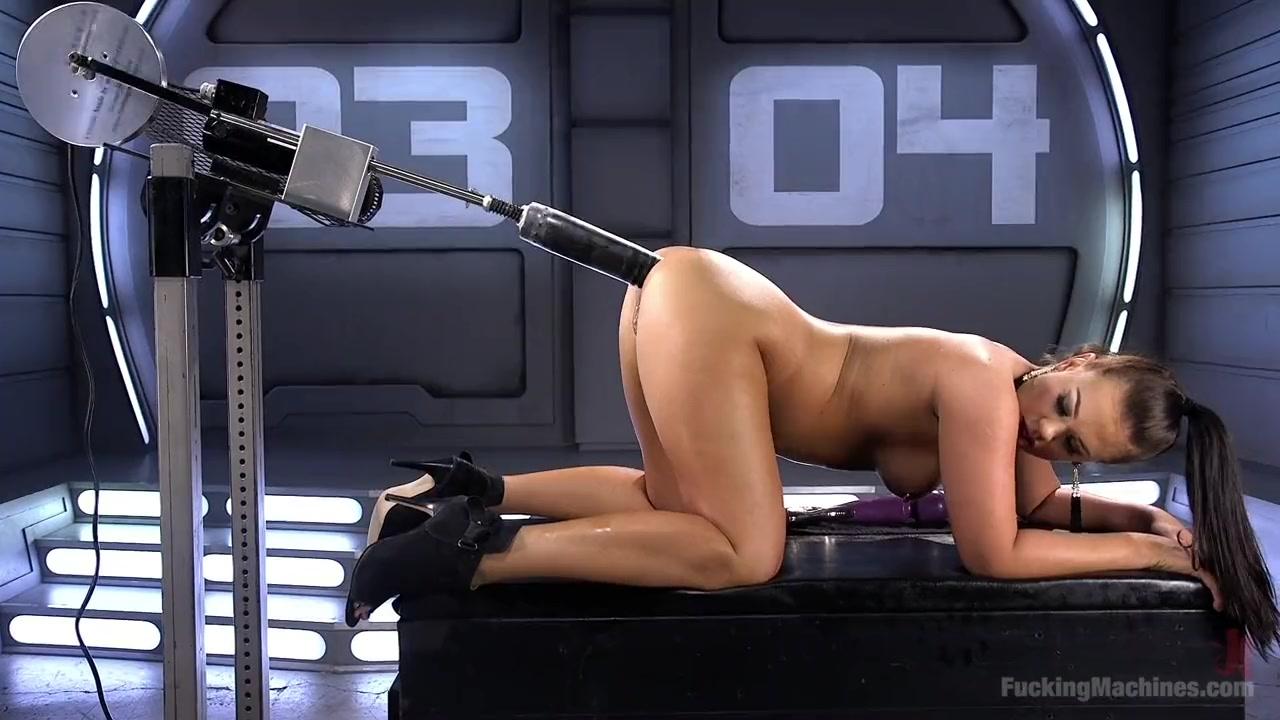 Roxy Raye Extreme Anal - Anal sex machine fucks Roxy Raye