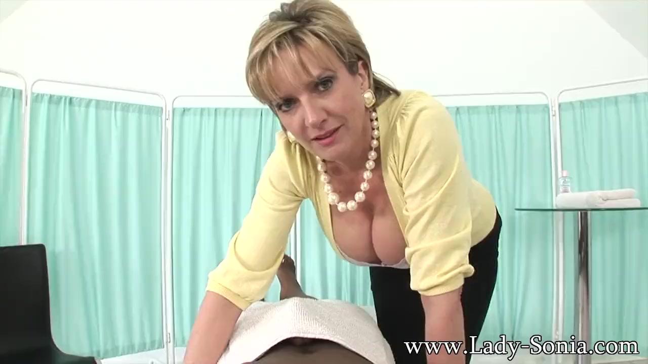lady sonia blowjob