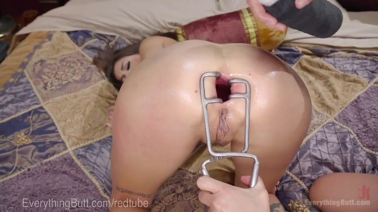 Rough Lesbian Anal Fisting
